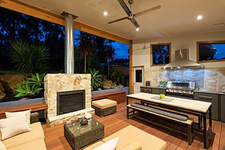 Beautiful Alfresco Space In Mcleod Of Melbourne
